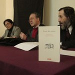 """Lanzamiento oficial en Valdivia-Chile, Libro de poesía """"Entre dos manos"""""""